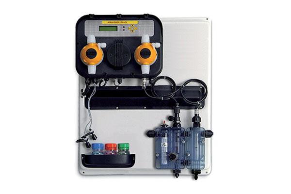 pannello di controllo e regolazione proporzionale del PH e del cloro